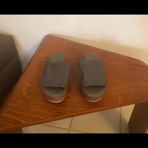 Vince slides size 9